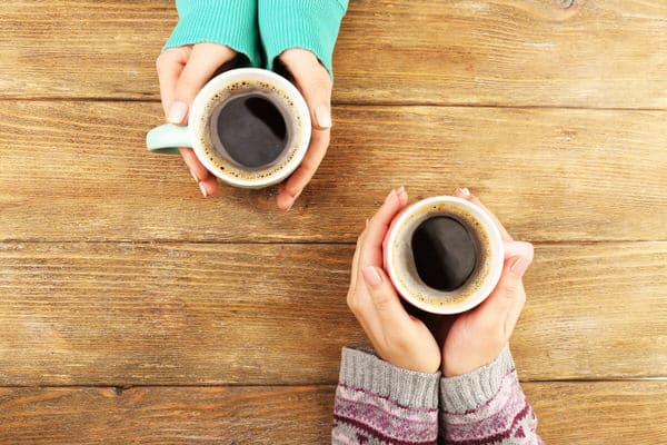 adult-sibling-relatiohsips_coffee-chat